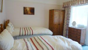 Sandays bed and breakfast twin room T3 Devon